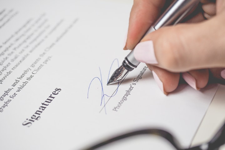 Isi Perjanjian Kontrak Kerja PKWTT dan PKWTT