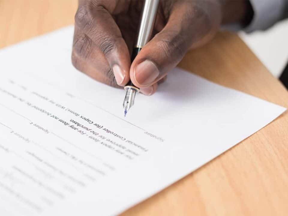 Perjanjian kerahasiaan dan larangan pengungkapan rahasia