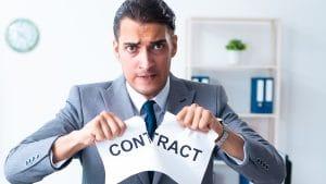 Sanksi melanggar kontrak kerja